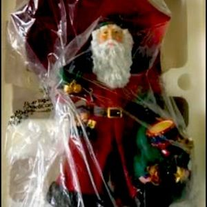 """Pipka Collectible Figurine 11"""" Let it Snow"""